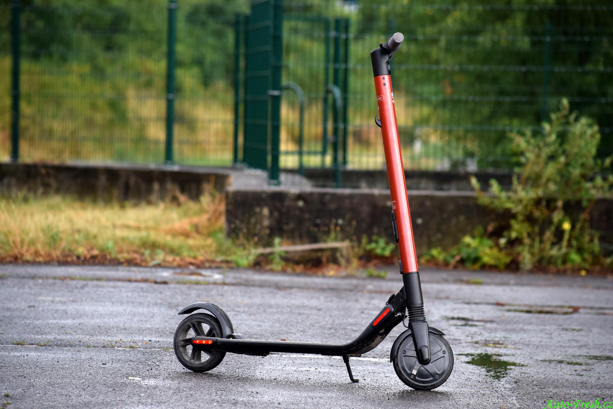 Koloběžka KickScooter 2