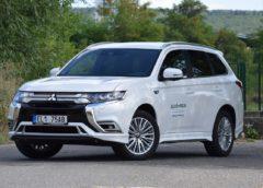 Mitsubishi Outlander PHEV: hybridní král SUV