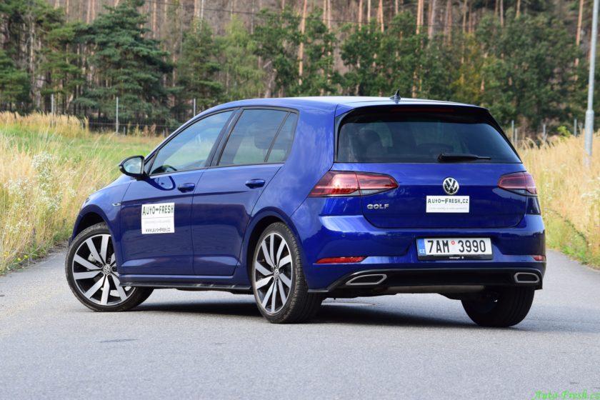 Volkswagen Golf R-line Front 2