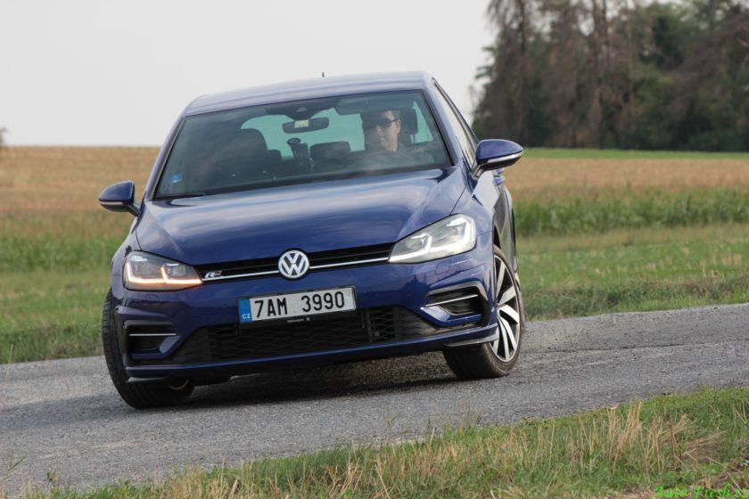 Volkswagen Golf R Line Jízda3