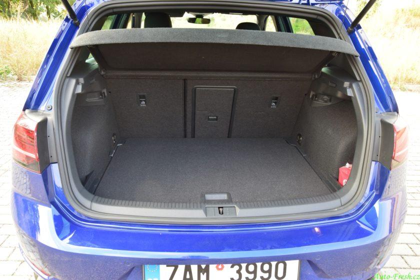 Volkswagen Golf R-line Zavazadlový prostor